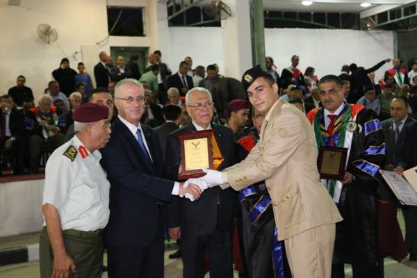 جامعة الاستقلال تخرج فوجها الرابع ( فوج التميز ) - جامعة ...
